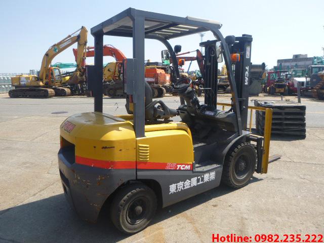 Xe-nang-dau-tcm-cu-2-5-tan-2006 (4)