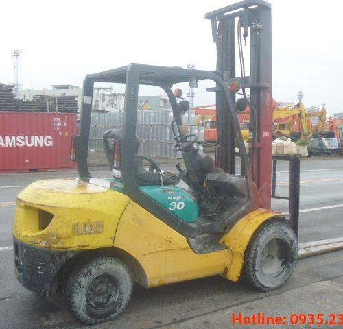 Xe nâng dầu Komatsu cũ 3 tấn 2005