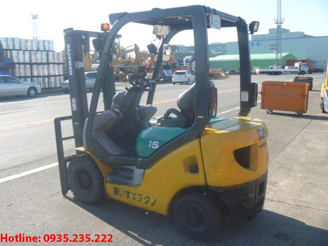 xe-nang-dau-komatsu-cu-1-5-tan-2002 (3)