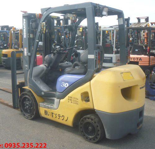 Xe nâng dầu Komatsu cũ 3 tấn 2004