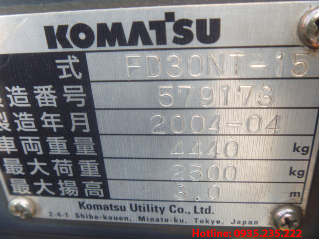 xe-nang-dau-komatsu-cu-3-tan-2004 (8)
