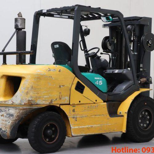 Xe nâng dầu Komatsu cũ 4.5 tấn 2009