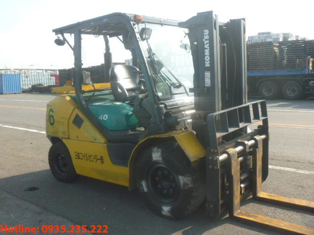 xe-nang-dau-komatsu-cu-4-tan-2009 (2)