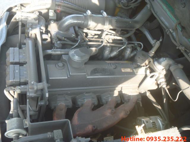 xe-nang-dau-komatsu-cu-4-tan-2009 (6)