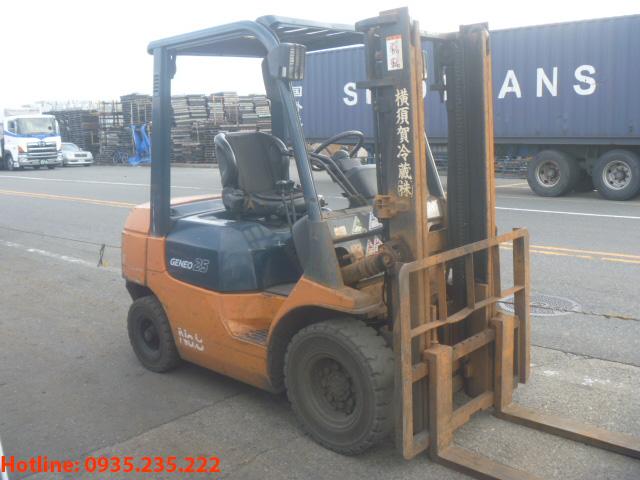 xe-nang-dau-toyota-cu-2-5-tan-2003 (2)