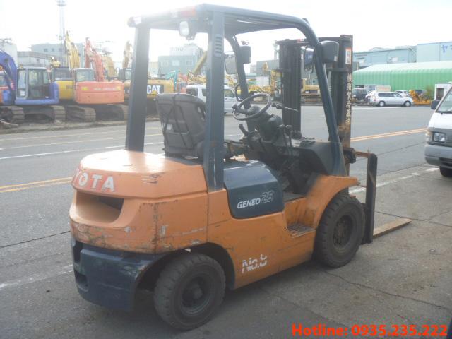 xe-nang-dau-toyota-cu-2-5-tan-2003 (4)