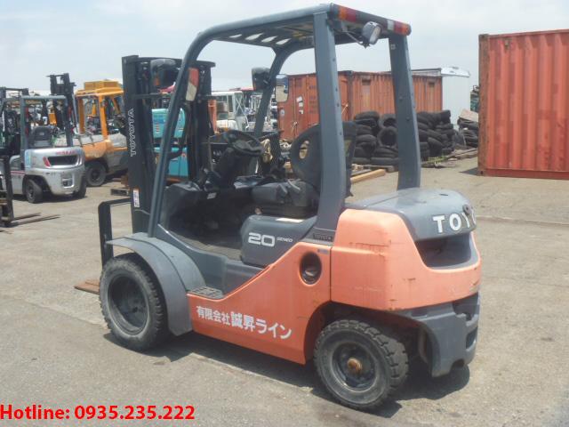 xe-nang-dau-toyota-cu-2-5-tan-2009 (3)