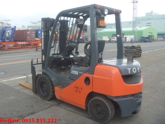 xe-nang-dau-toyota-cu-2-5-tan-2010 (3)