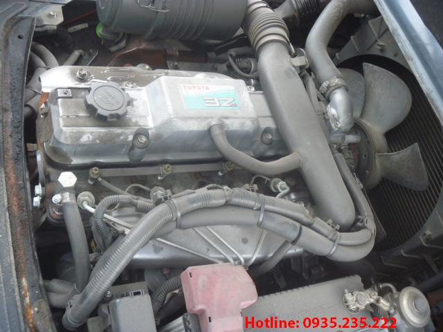 xe-nang-dau-toyota-cu-2-5-tan-2010 (6)