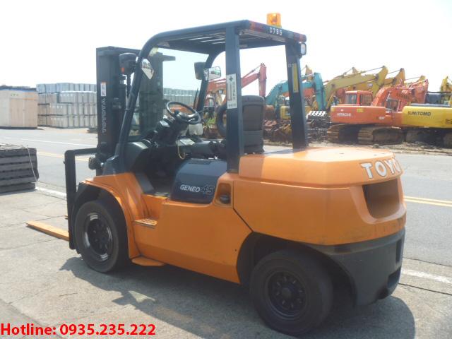 xe-nang-dau-toyota-cu-4-5-tan-2006 (3)