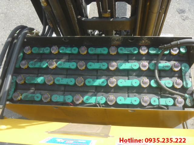 xe-nang-dien-dung-lai-komatsu-cu-1-5-tan-2007 (6)