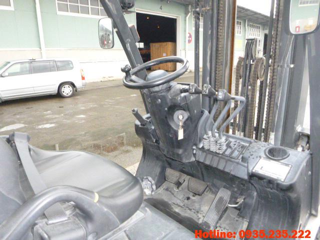 xe-nang-dau-nissan-cu-2-5-tan-2012 (7)