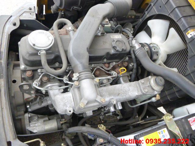 xe-nang-dau-tcm-cu-2-5-tan-2010 (5)