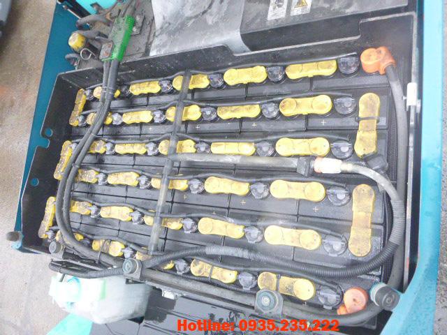 xe-nang-dien-sumitomo-cu-2-5-tan-2010 (6)
